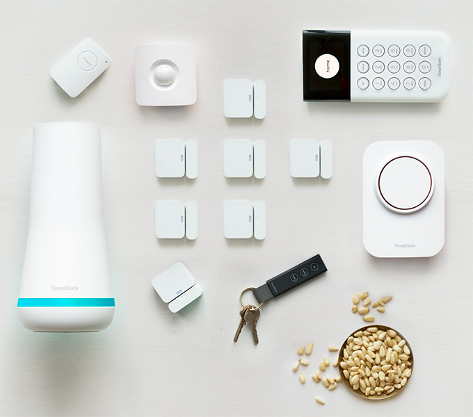 SimpliSafe Ss3 refurbished system 13 pieces Home Security System